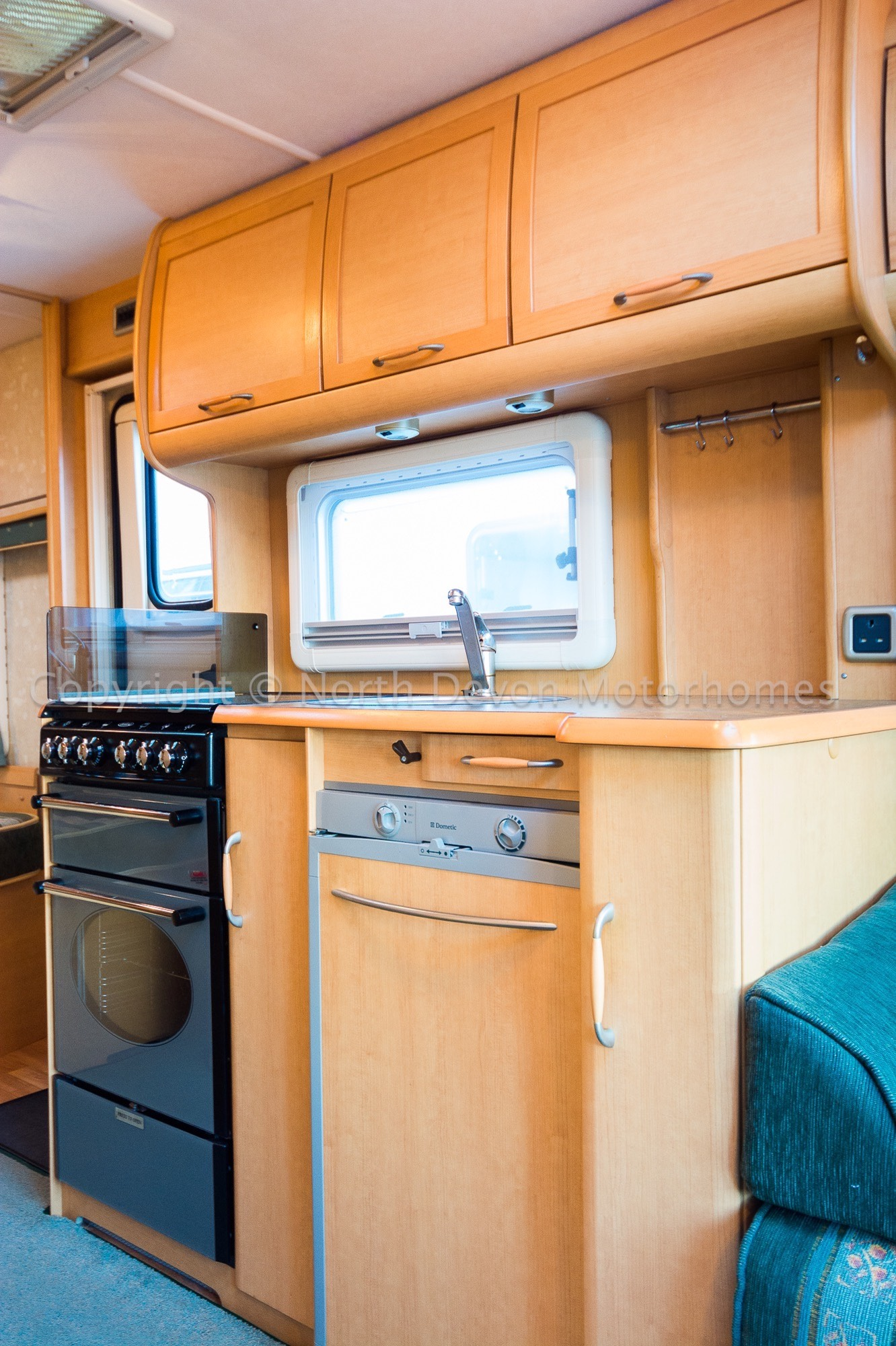 Abbey Gts Vogue 418 2004 Fixed Rear Bed 4 Berth