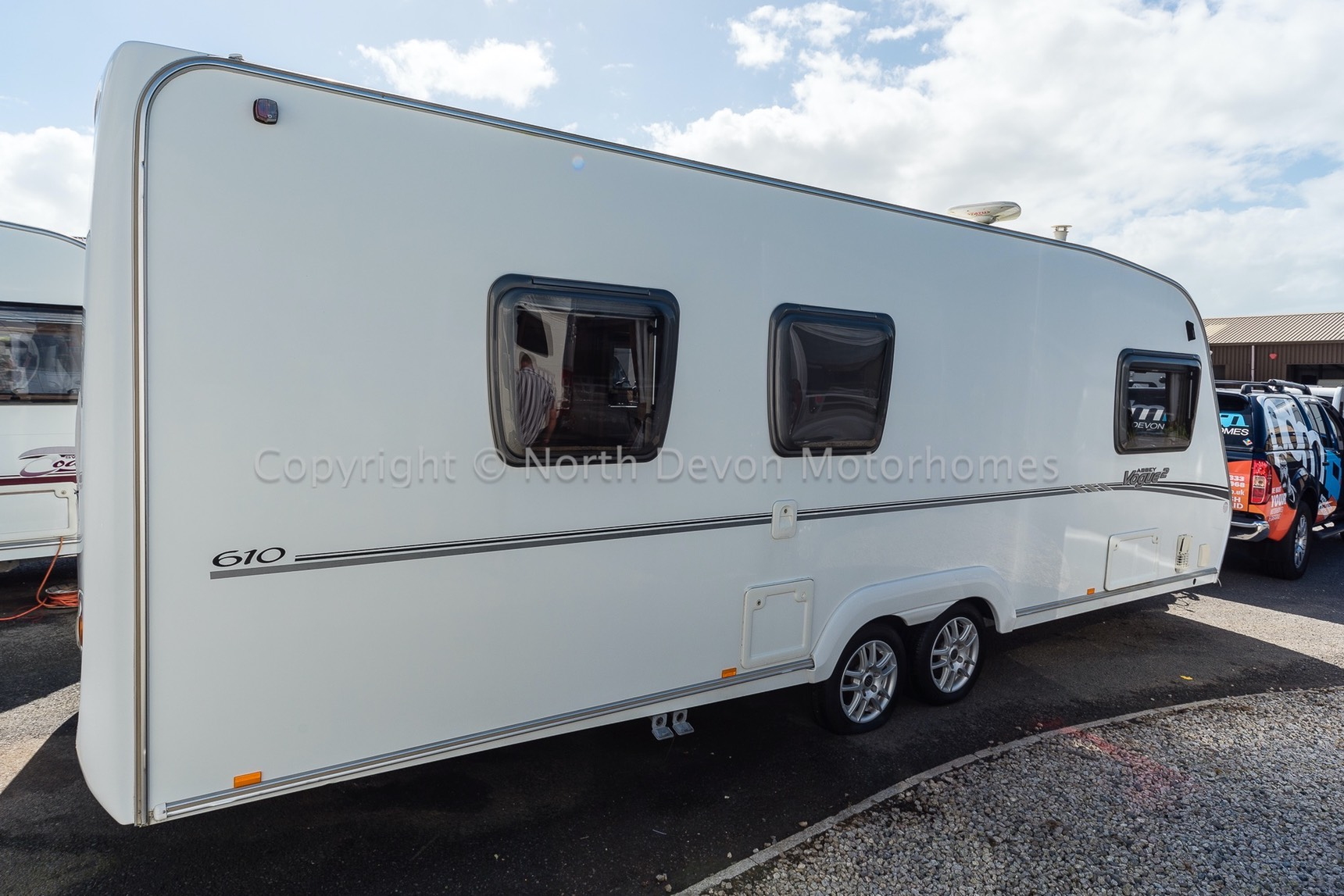 Sold Abbey Vogue 2 610 2009 4 Berth Tag Axle Fixed